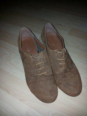 Braune Damen Schuhe mit kleinem Absatz