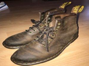 braune Dr. Martens Schuhe in gutem Zustand