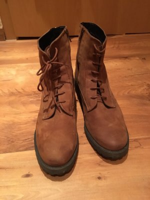 5th Avenue Booties brown