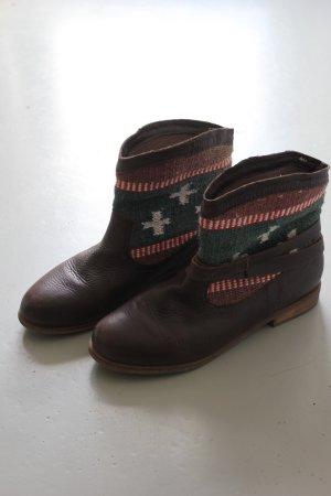 Braune Ethno Booties