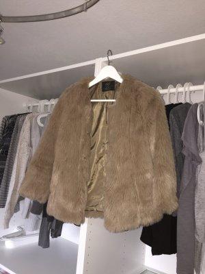 Braune Felljacke Zara
