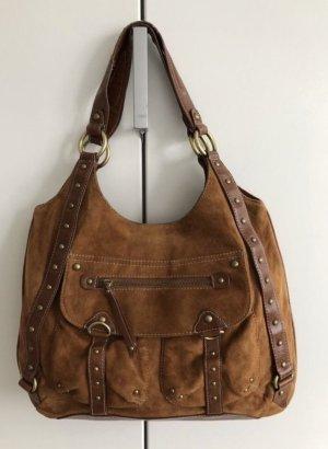 Braune Handtasche mit Nieten aus Wildleder