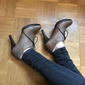Braune High Heels aus Leder