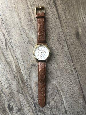 Braune Hilfiger Uhr