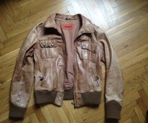 braune Jacke aus Glattleder 1