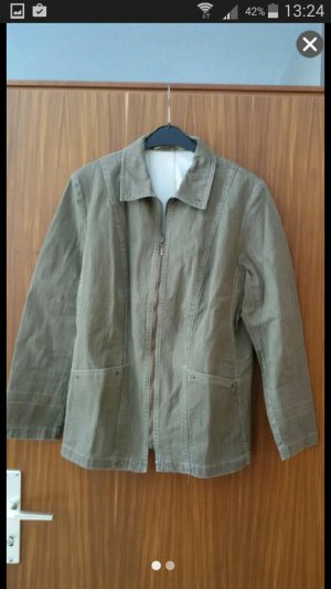 braune Jacke aus Jeansstoff
