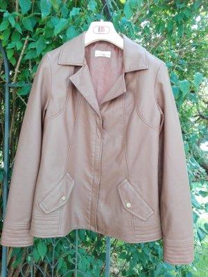 braune Jacke aus Kunstleder - D36 layers look