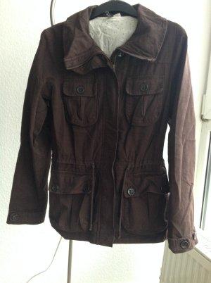 Braune Jacke mit Taschen