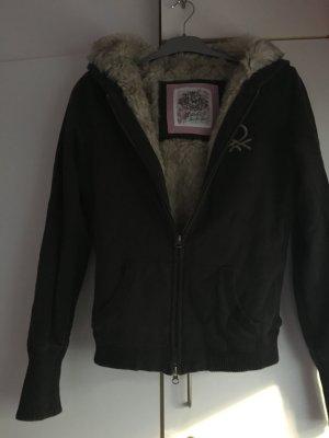 Braune Jacke mit weichen Fell drinne Größe L