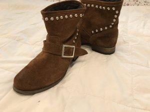Braune Karamelfarbene  Boots