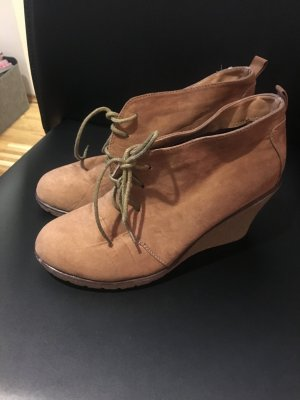braune Keilabsatz Schuhe Größe 39