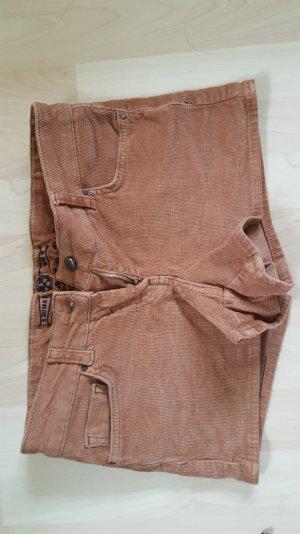 braune, kurze Hotpants