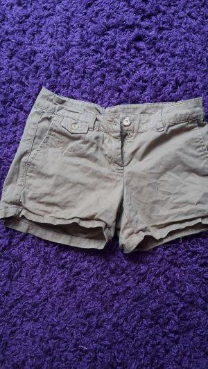 Braune kurze Shorts in 34