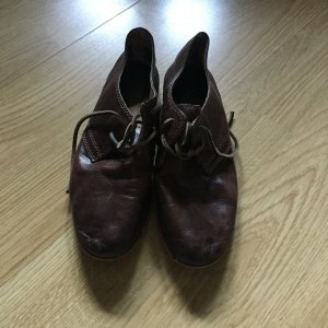 Frye Wingtip Shoes bronze-colored leather