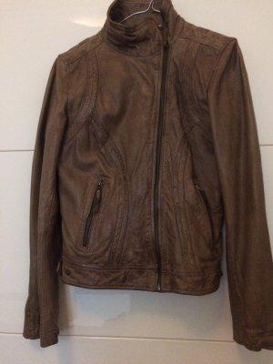 Braune Lederjacke von Oakwood, nur 1x getragen, also wie neu. Größe large
