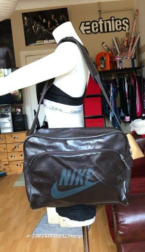 Braune Nike Umhängetasche
