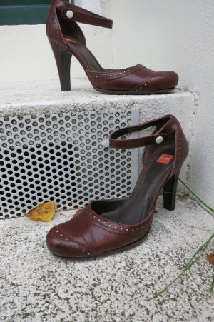 Hugo Boss Escarpins Mary Jane brun cuir