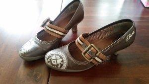 braune s'oliver Schuhe mit kleinem Absatz und Schnalle