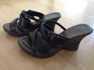 Braune Sandale mit Keilabsatz