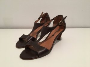 Comma Strapped High-Heeled Sandals bronze-colored leather