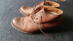 braune Schuhe Größe 40