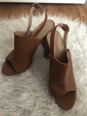 Sandalo con plateau marrone
