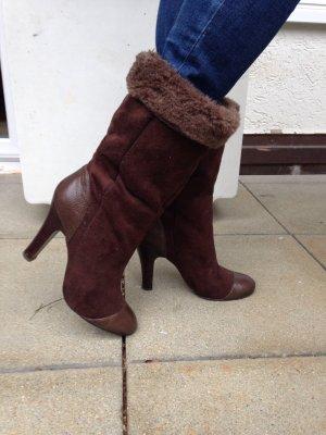 Braune Stiefel in Leder und Wildleder Optik