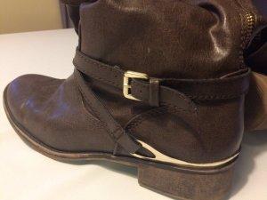 Braune Stiefel vom JustFab