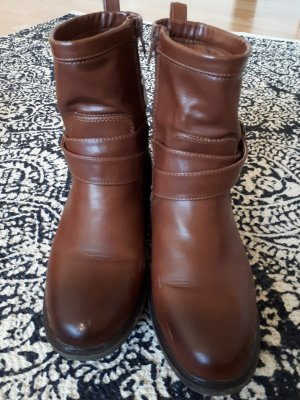 C&A Short Boots brown imitation leather