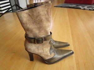 Braune Stiefel von Vera Gomma in der Größe 36