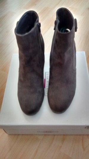 Braune Stiefelette aus der Fifth Avenue Kollektion von Deichmann