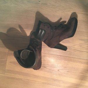 Braune Stiefeletten / Stiefel von Tod's