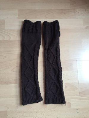 braune Stulpen Wolle Winter Muster