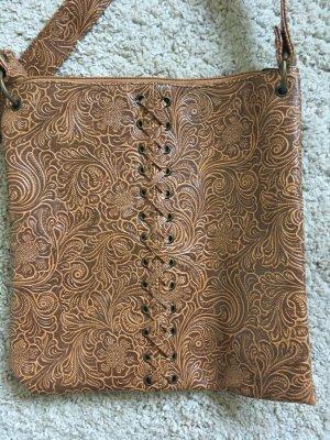 braune Tasche mit Muster