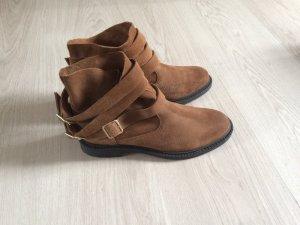 Braune Wildleder Boots