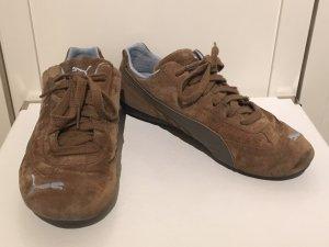 Braune Wildleder-Sneakers von PUMA in Größe 40