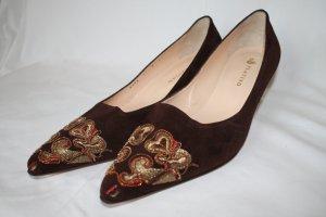 Braune Wildlederpumps von Platino Zapatos