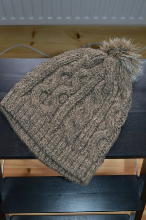 Knitted Hat multicolored synthetic fibre