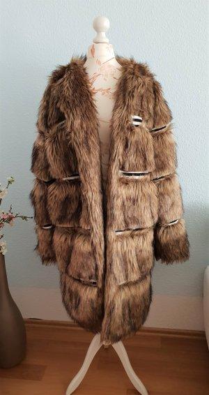 brauner Fake Fur, Faux Fur Mantel von story of lola (asos)