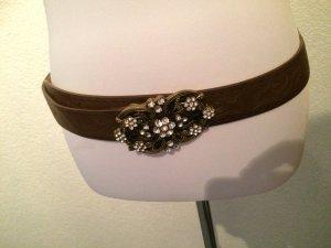brauner Gürtel mit großer Schnalle mit Glitzerblumen / Blumen - Länge = 105cm
