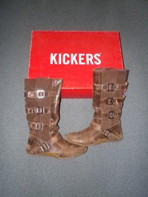 Brauner Kickers Stiefel