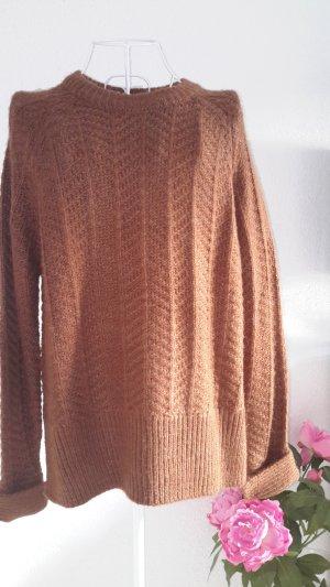 Brauner kuscheliger Pullover