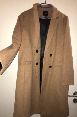 Brauner langer Mantel