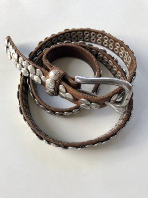 Brauner Ledergürtel mit Metallplättchen von Liebeskind