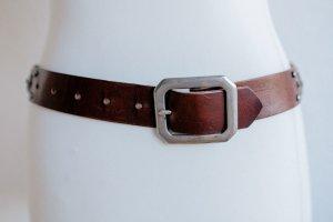 Brauner Ledergürtel mit tollen Details - Einsätz