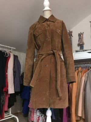 Brauner Ledertrenchcoat