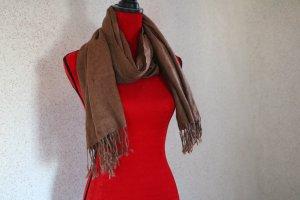 Brauner, leichter Schal mit Fransen