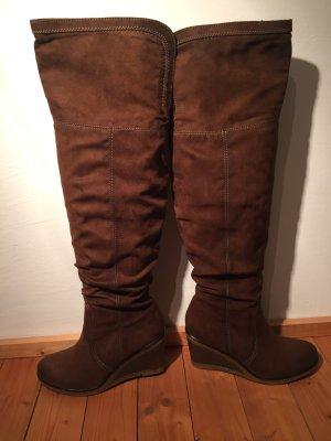 Brauner Overknee Stiefel mit Wedgesohle