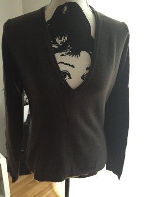 Brauner Pullover aus Wolle