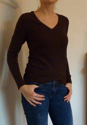 Brauner Pullover mit V-Ausschnitt